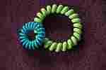 den haargummi papanga gibt es in einer kleinen und in einer großen Version haarspangen